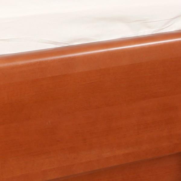 Postel VAREZZA 5 s úložným prostorem - detail zaoblené hrany postranice, masiv buk průběžný LAK č.20 třešeň