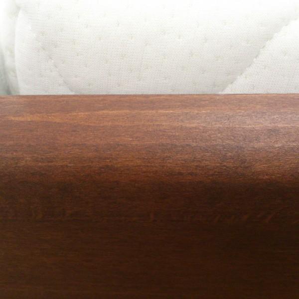 Postel EVITA 3 s úložným prostorem - detail zaoblené postranice, masiv buk průběžný OLEJ č.3 tabák