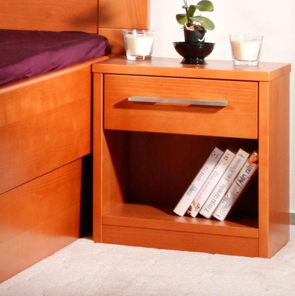 Noční stolek 1-zásuvkový Kolacia s úchytkou Varezza/Arleta, masiv buk LAK odstín č.20 třešeň