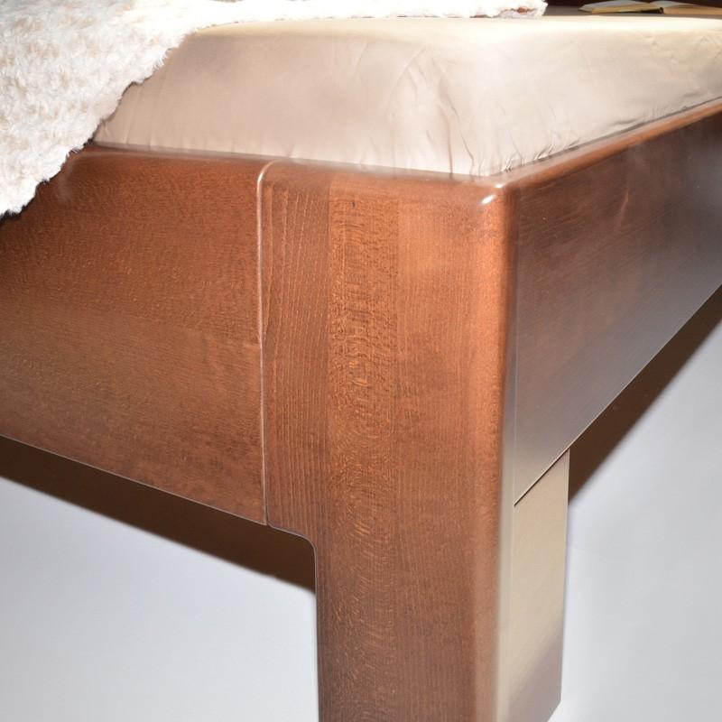 Postel K-DESIGN 3 - masiv buk průběžný lak č. 60 ořech