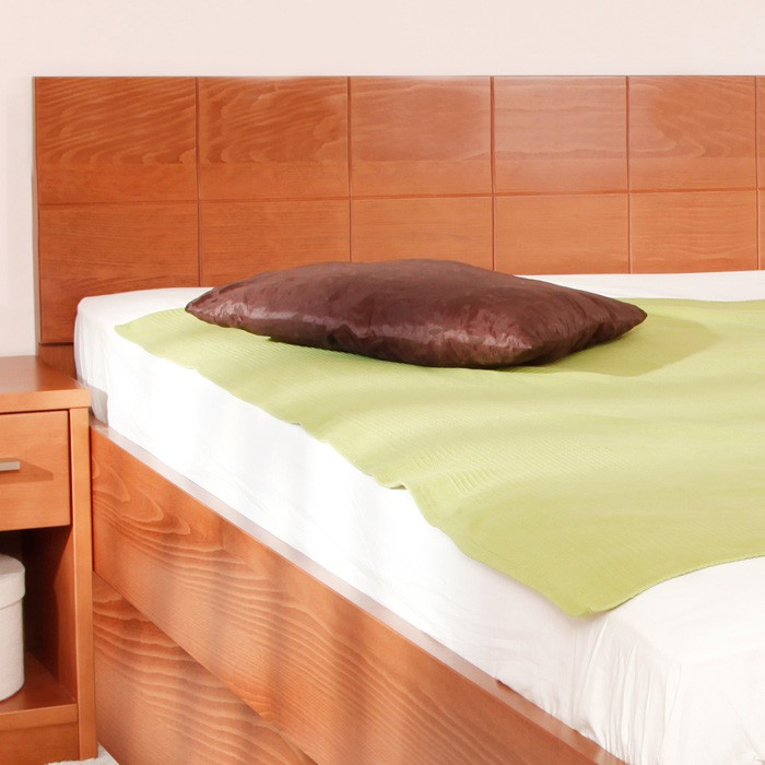 Ekonomická postel Varezz 6B - masiv buk průběžný lak č. 20 třešeň