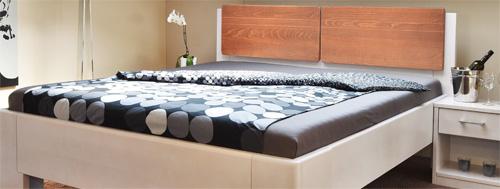 Manhattan kombinace barev zadního čela postele