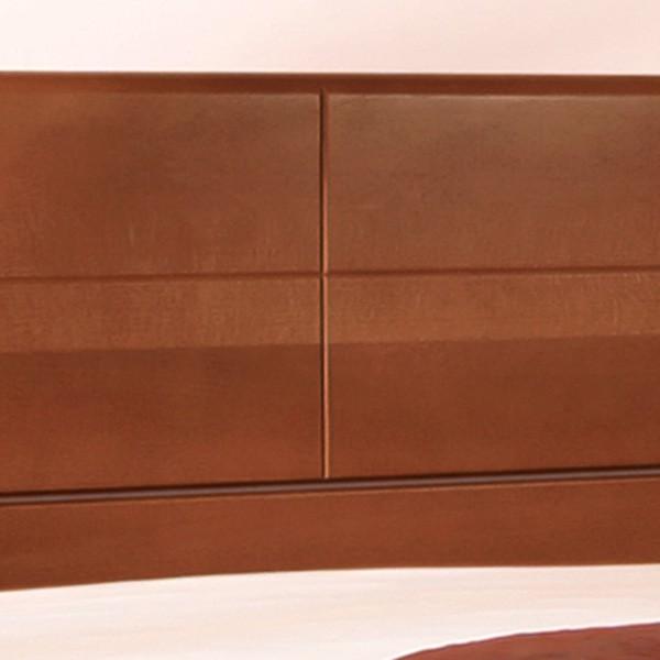 Zvýšená postel Deluxe - detail ozdobného drážkování v zadním čele, masiv buk průběžný lak č. 30 tabák