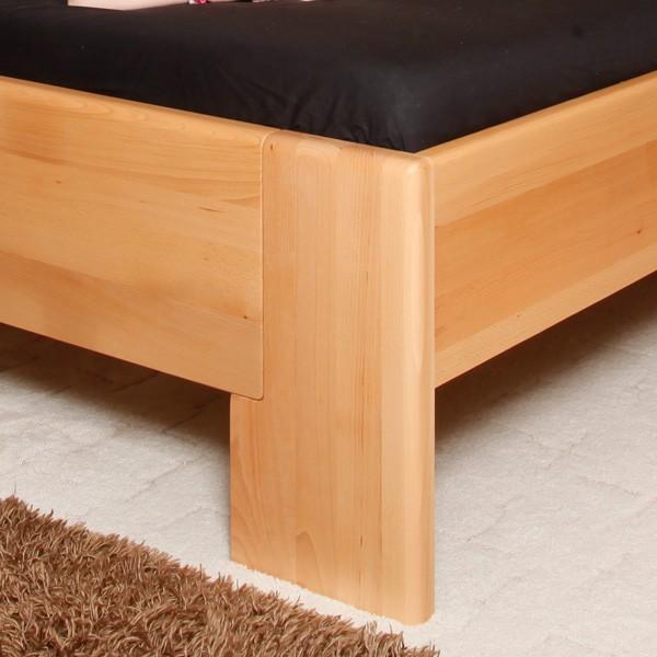 Zvýšená postel Deluxe 2 - detail přední nohy, masiv buk průběžný olej č. 1 přírodní