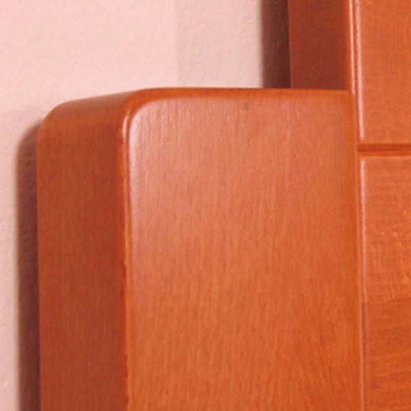 Zvýšená postel DeLuxe - detail zadního čela, masiv buk průběžná lamela LAK č.20 - třešeň