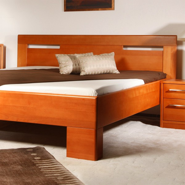 Postel VAREZZA 5 - zvýšená postel, průběžný buk masiv LAK č.20 třešeň