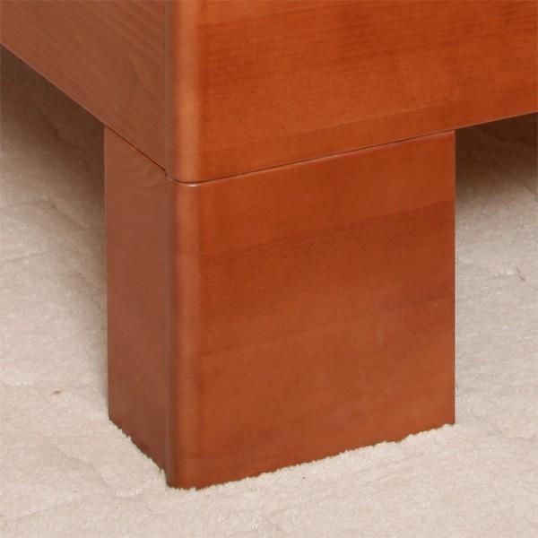Postel VAREZZA 7 - detail nohy, průběžný buk masiv LAK č.20 třešeň