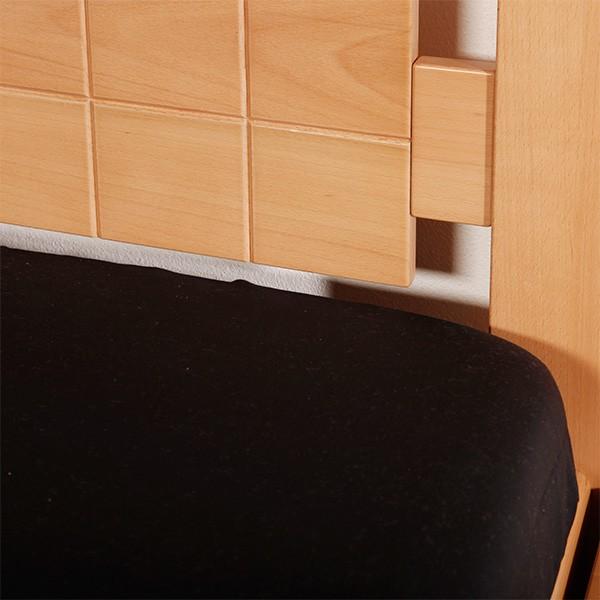 Ukázka zadního čela s drážkováním ve výplni zadního čela postele, masiv buk průběžná lamela LAK č.10 - přírodní