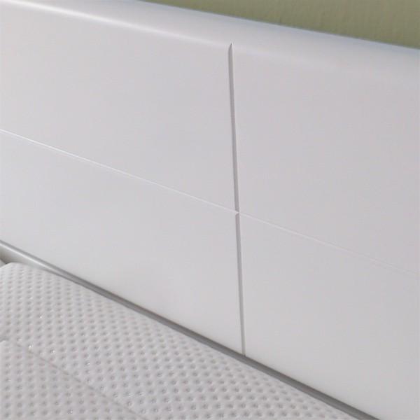 Detail zadního čela postele, lak č.50 - bílý, Kolacia