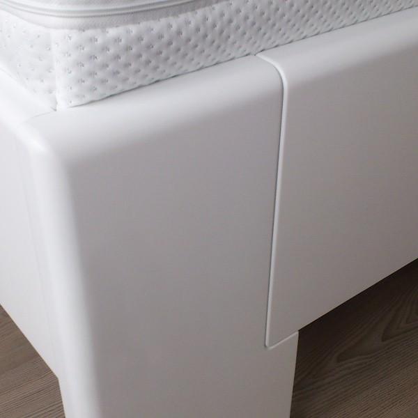 Detail předního čela postele, lak č.50 - bílý, Kolacia