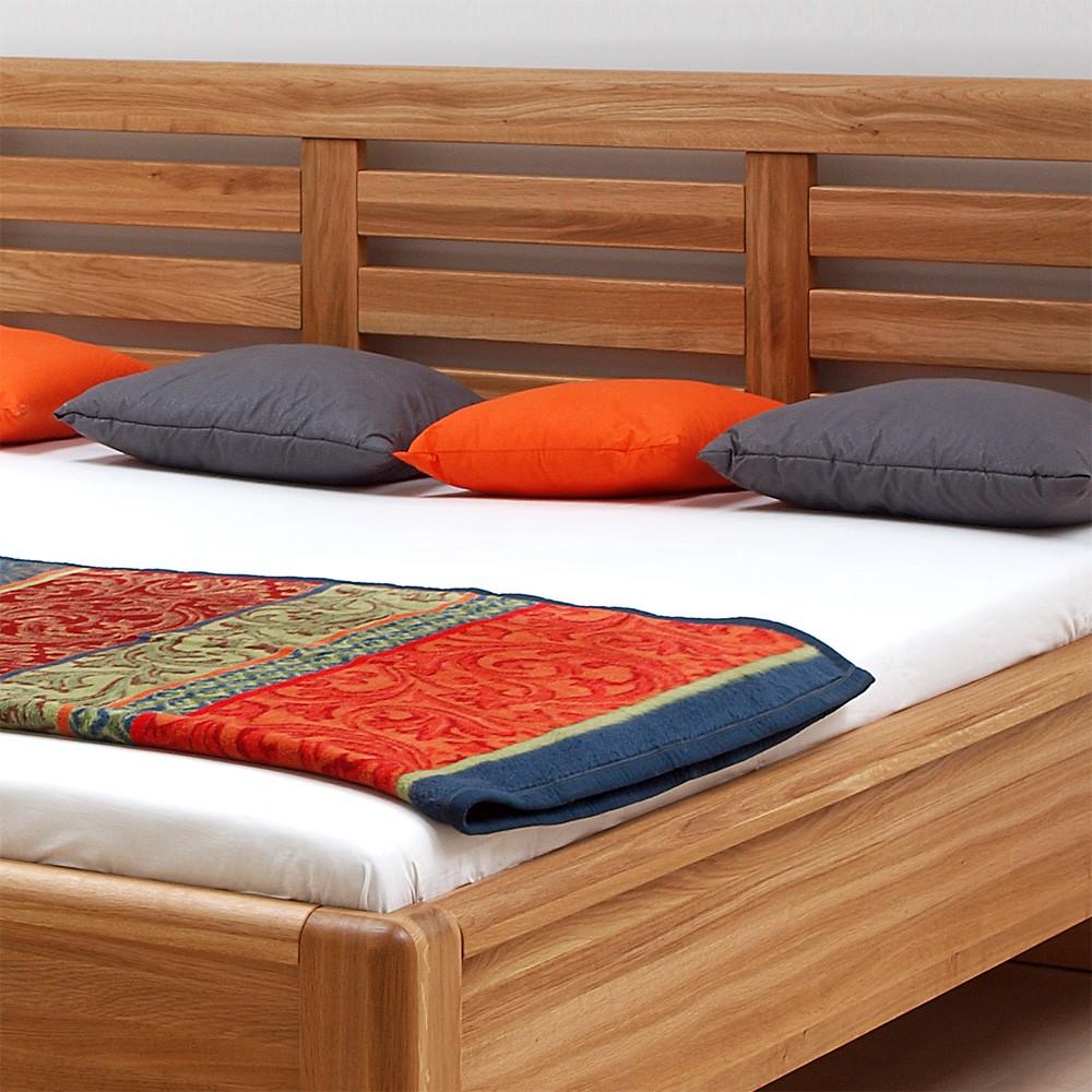 Zvýšená postel VIOLA masiv dub - provedení masiv dub průběžný, BMB