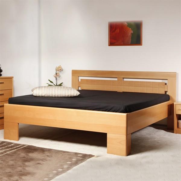 Varezza 3 - zvýšená masivní buková postel, buk průběžný LAK č.10 přírodní