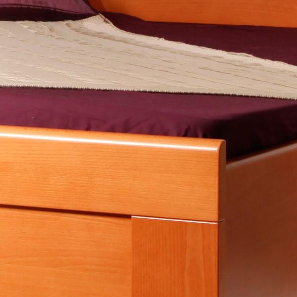 Arleta 3 - detail předního čela a nohy, masiv buk průběžná lamela LAK č. 20 - třešeň